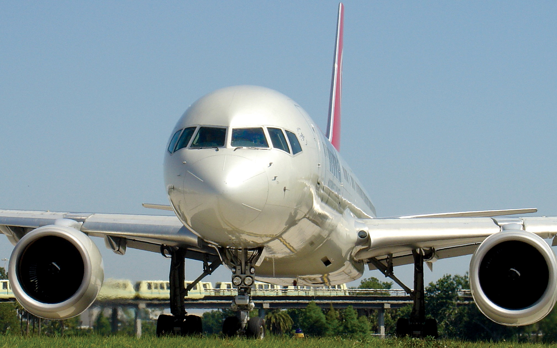 Orlando-International-Airport-aircraft
